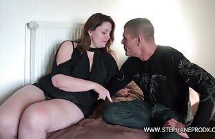 Gadis seksi Christy bokep mom cantik dan Kirsten saling bercinta, bodoh.